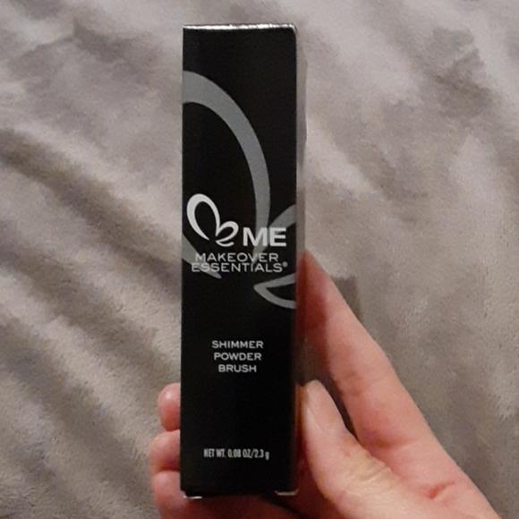 Makeover Essentials Me Other - Makeover Essentials Me-Shimmer Powder Brus